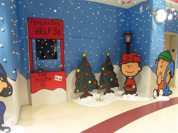 holidaywinter door decorating contest overview