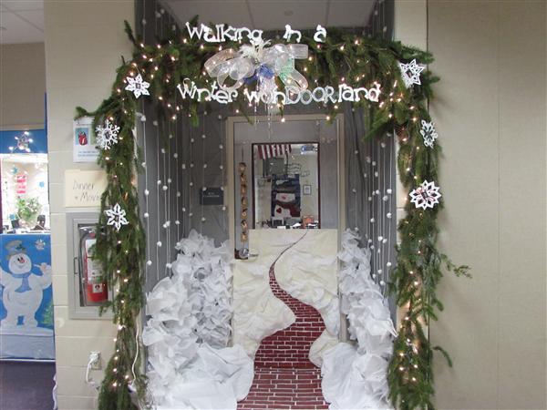 winter door decorating contest. wjhs winterholiday door decorating contest entry winter j